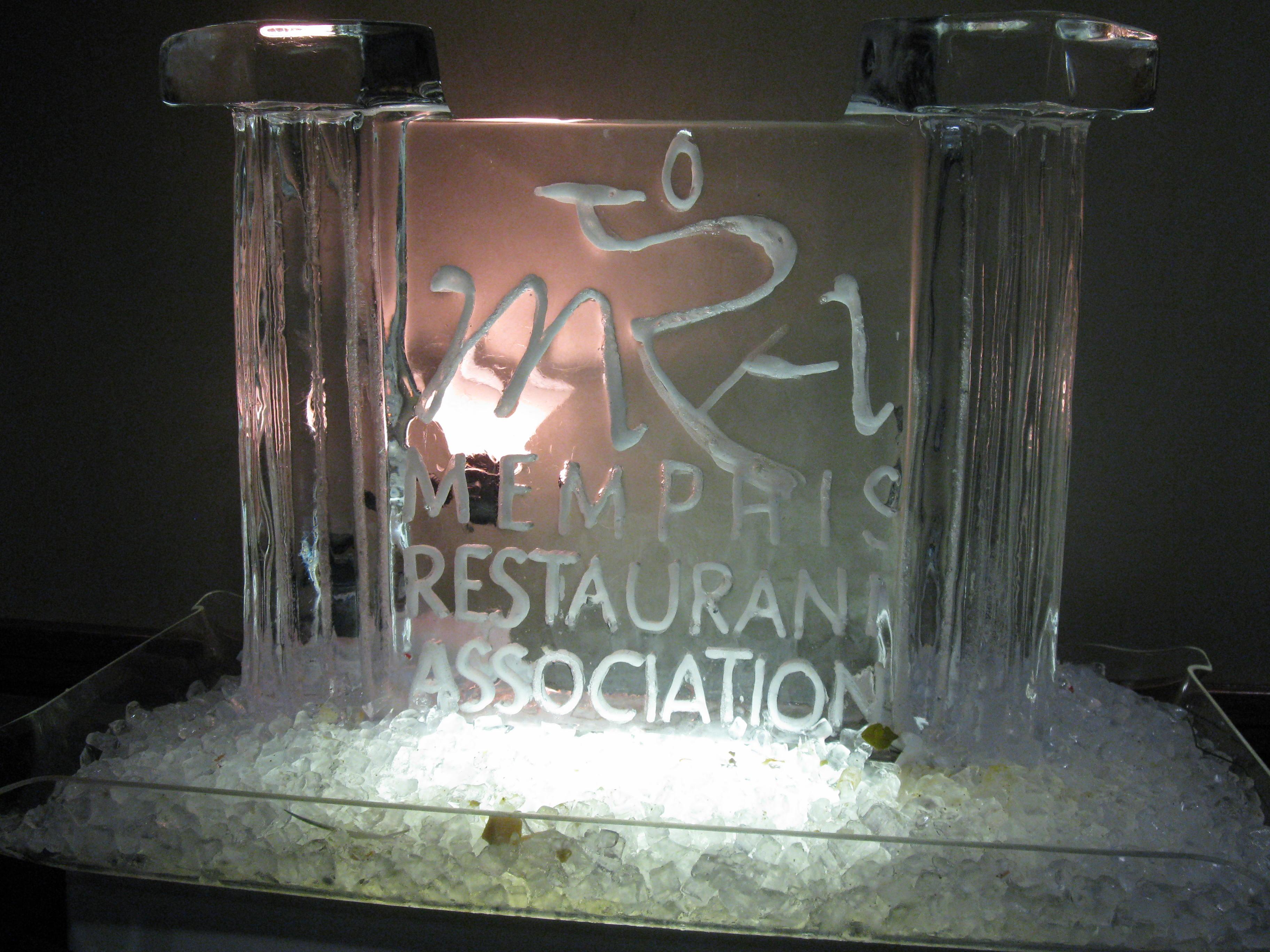 DCR's Brad Leslie wins the Memphis Restaurant Association's Associate Member of the Year 2011!